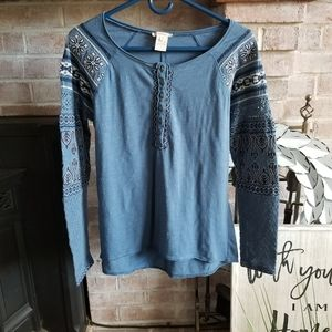SUNDANCE insights embroidered henley